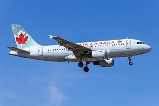 Самолет Airbus A319 C-FYJI авиакомпании Air Canada