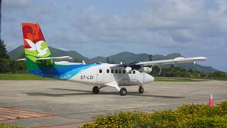 Aircraft DHC-6 operated by Air Seychelles to Praslin airport