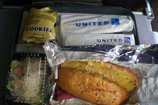 Flight meals on the flight from Manila-GUAM airlines United