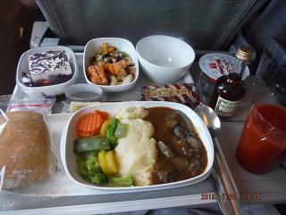 Food on the flight from Dubai to Nairobi Emirates airlines