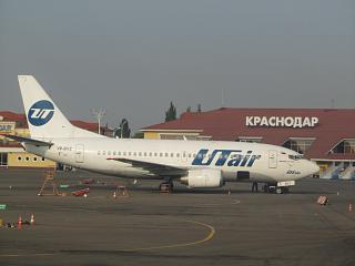 Боинг-737-500 авиакомпании ЮТэйр в аэропорту Краснодар