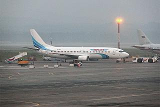 Boeing-737-400 airlines Yamal at the airport Emelyanovo
