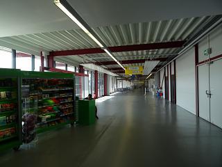В чистой зоне терминала C аэропорта Берлин Тегель
