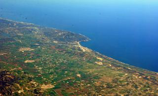 Мыс на побережье Средиземного моря у города Типаза в Алжире