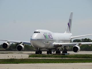 Boeing 747-400 EC-KSM авиакомпании Wamos Air в аэропорту Борисполь