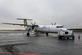 Самолет Bombardier Dash 8Q-400 авиакомпании airBaltic в аэропорту Рига