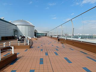 The observation deck on the roof of the airport's terminal 2 at Tokyo Haneda