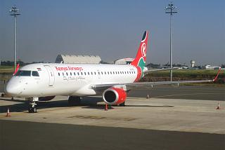 Embraer 170 авиакомпании Kenya Airways в аэропорту Найроби