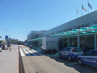 At the entrance to the Olbia Costa Smeralda airport