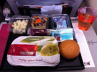 Food on the flight Moscow-Doha Qatar Airways