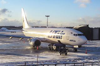 Боинг-737-800 авиакомпании ЮТэйр в аэропорту Внуково