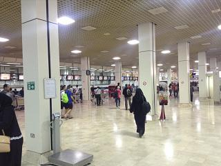 Hall check-in for flights to Bahrain international airport