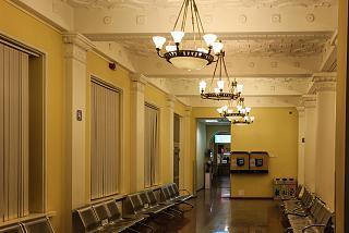 Зал ожидания в старом здании аэровокзала аэропорта Вильнюс