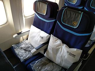 Seats premium economy class in the Boeing-767-300 Condor airlines