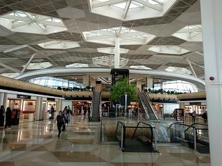 В терминале 1 аэропорта Баку имени Гейдара Алиева