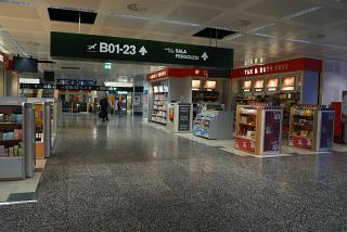 Shop Duty-Free in sector B of terminal 1 of Milan Malpensa airport