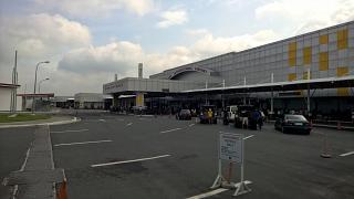 Пассажирский терминал аэропорта Кларк на Филиппинах
