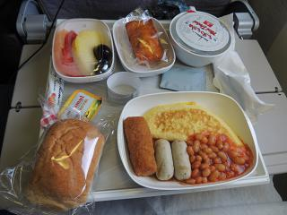 Flight meals on the flight Dubai Colombo with Emirates