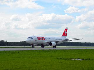 Airbus A320 SWISS airlines at Domodedovo airport