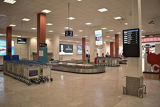 Зал выдачи багажа в аэропорту Ницца Лазурный берег