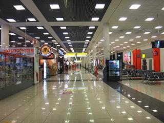 В чистой зоне терминала Е аэропорта Шереметьево