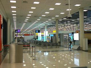 Зал ожидания в чистой зоне терминала Е аэропорта Шереметьево