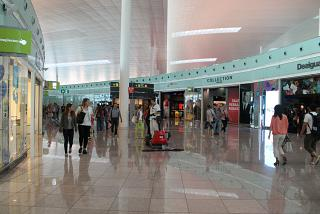 Gallery of shops at terminal T1 Barcelona airport