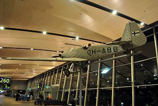 Самолет Junkers A50 в терминале Т2 аэропорта Хельсинки Вантаа