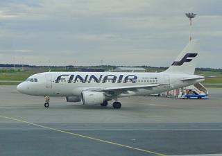 Самолет Airbus A319 OH-LVA авиакомпании Finnair в аэропорту Хельсинки Вантаа