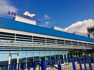 Пассажирский терминал аэропорта Тиват со стороны перрона