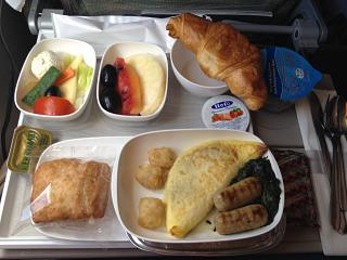 Food on the flight Dubai-Cape town Emirates airlines