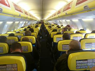 The cabin of the aircraft Boeing-737-800 Ryanair