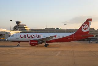 Airbus A320 авиакомпании airberlin в аэропорту Кёльна