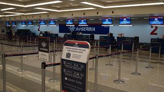 Стойки регистрации авиакомпании Air Serbia в аэропорту Белград Никола Тесла