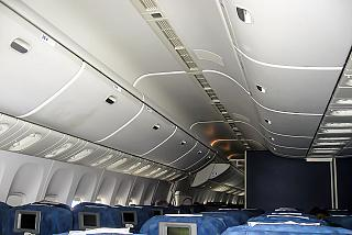 Luggage racks in the plane Boeing-777-200 Transaero