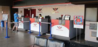 Reception Mokulele Airlines at the airport of Kahului