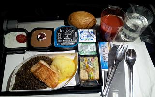 In-flight meals on flights of Turkish Airlines Istanbul-Yekaterinburg