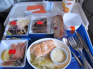 "In-flight meals for Aeroflot class, ""Economy Comfort"" on the flight from Moscow to Los Angeles"