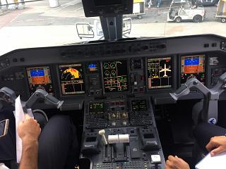 Dashboard Embraer 195