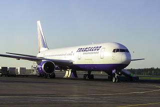 Boeing 767-300 EI-UNF авиакомпании Трансаэро в аэропорту Домодедово