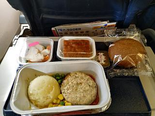 Бортовое питание на рейсе Киев-Торонто Международных авиалиний Украины