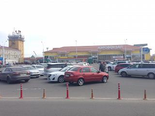 Привокзальная площадь и аэровокзал аэропорта Краснодар