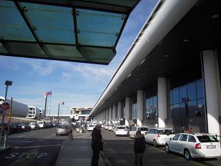Вход в аэропорт Милан Мальпенса