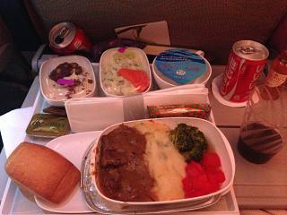 The food economy class on the Emirates flight Moscow-Dubai