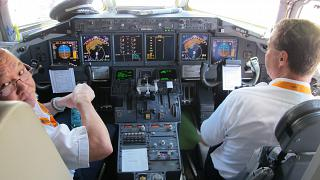 The cockpit in the Boeing-717