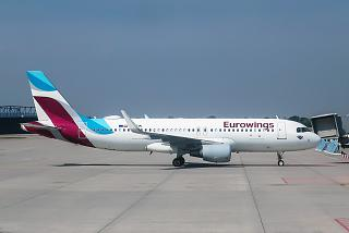 Самолет Airbus A320 авиакомпании Eurowings Europe в аэропорту Лейпциг-Галле