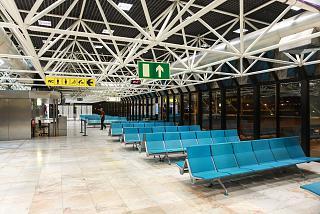 Накопитель в терминале 1 аэропорта Лиссабон Портела