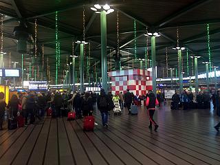 В аэропорту Амстердам Схипхол