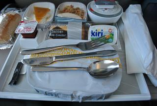 In-flight meals on the flight Dubai-Bangkok with Emirates