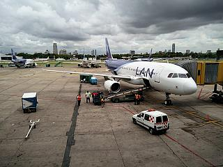Airbus A320 LAN on the apron of airport Buenos Aires, Jorge Newbery